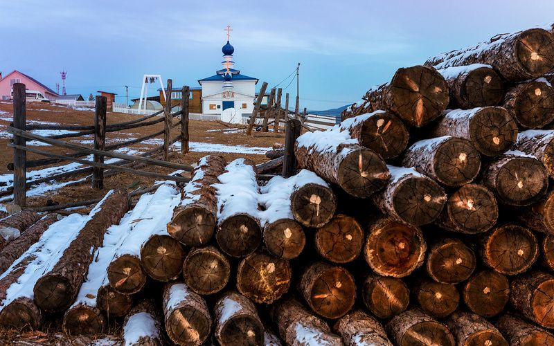 Байкал, лед, Ольхон Церковь в Хужиреphoto preview