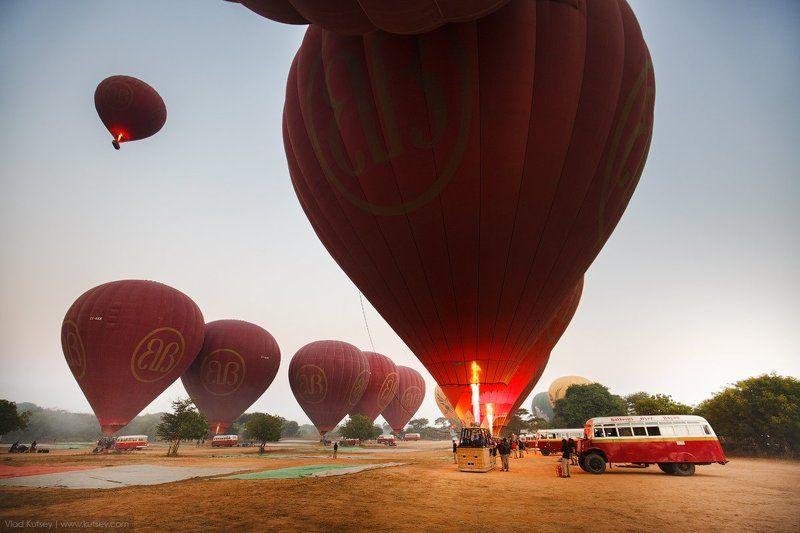 burma, myanmar, pagan, bagan, balloons, morning, asia, travel, воздушныешары, баган, подготовка, мьянма, бирма Ready to flyphoto preview