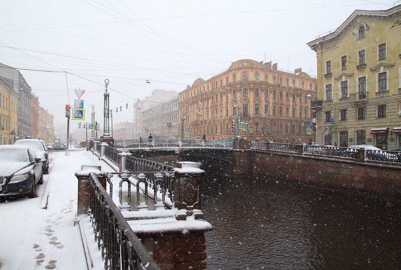 Снегопад в апрелеphoto preview