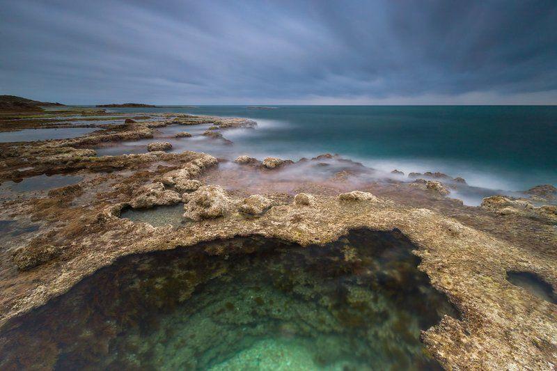 средиземное море, небо, камни, вода, песок, облака, море, пляж, парк, шторм, национальный парк, израиль, север, закат, солнце, ветер, брызги, волны, весна, природа, пейзаж, Средиземное мореphoto preview