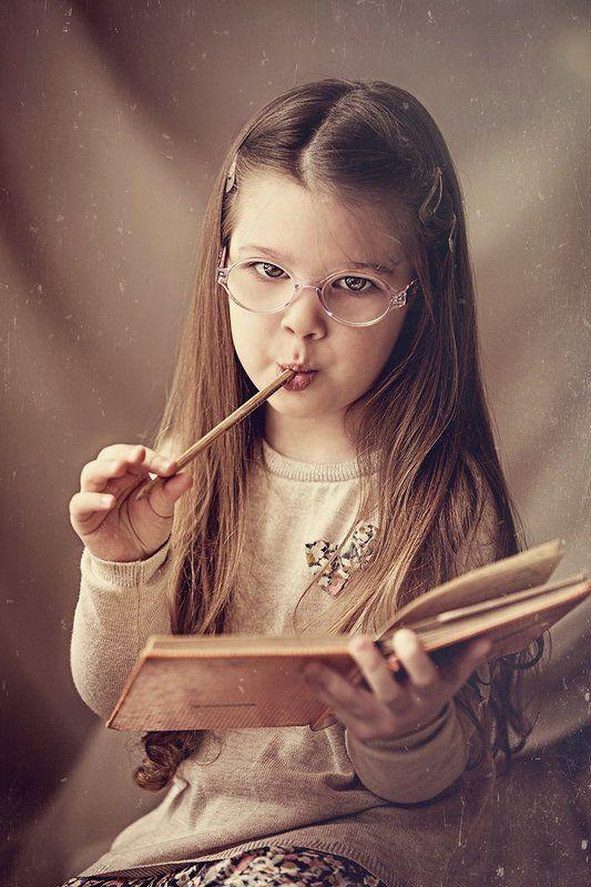 портрет,ребенок,книга ***photo preview