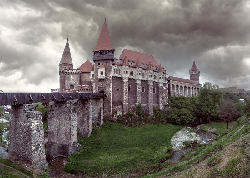 замок корвинов , castelul corvinilor,  vajdahunyadi, трансильвания, хунедоара,злаште. Замок Корвиновphoto preview