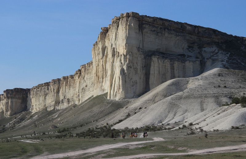 У подножия Ак-Кая (Крым)photo preview