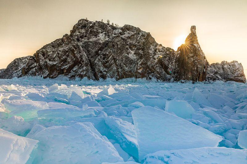 Байкал, лед, Ольхон Мыс Хобойphoto preview