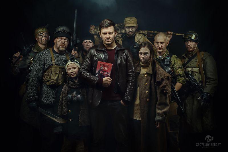 Д. Глуховский и его персонажиphoto preview