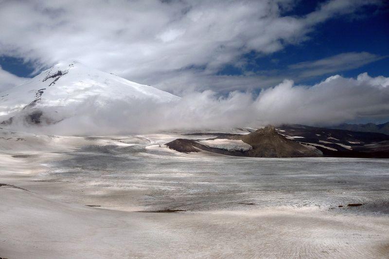горы,ледник,кавказ,небо,перевал,пейзаж,mountains,mountain glacier,caucasian Эльбрус, такой близкий и такой далекийphoto preview