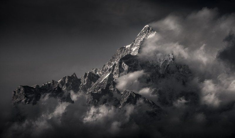 непал, горы, лангтанг, госайкунда, пик, в облаках Островphoto preview