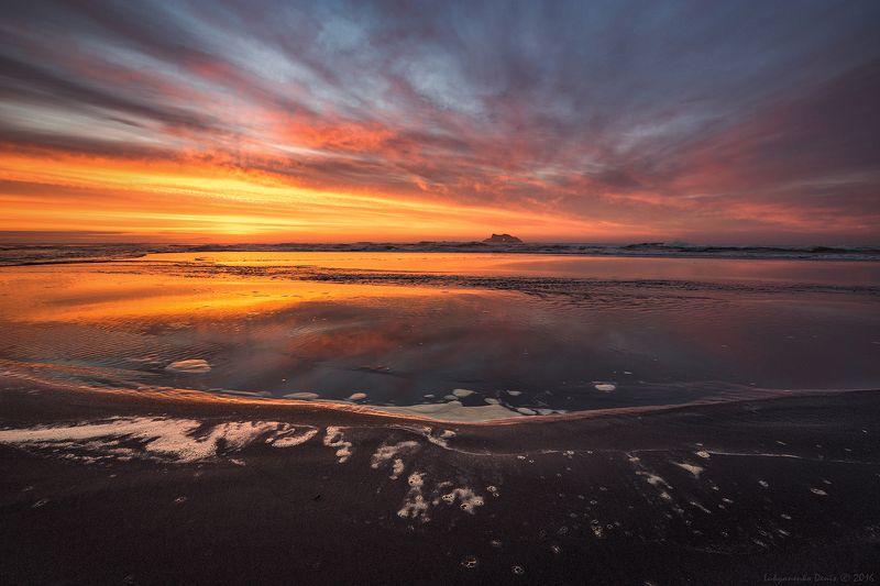 2016, камчатка, лето, море, вода, рассвет, краски, берег, песок, пена, облака, скала, волны ***photo preview
