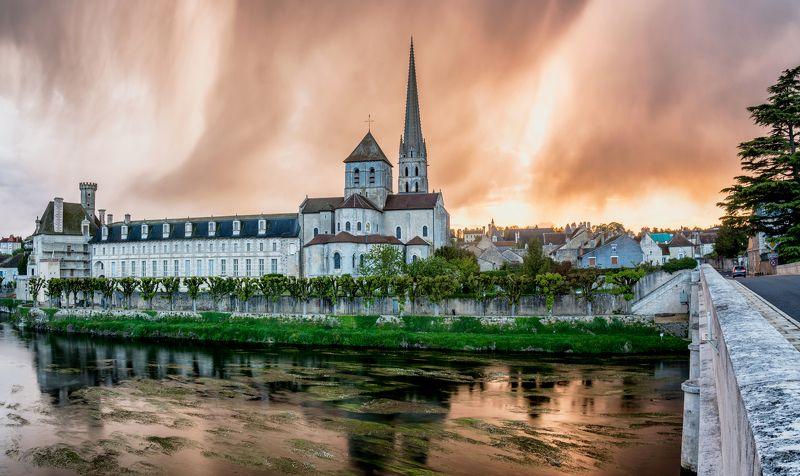 сен-савен-сюр-гартамп, saint-savin-sur-gartempe, романская сикстинская капелла, сен-савен-сюр-гартамп Закат и  дождь - Saint-Savin-sur-Gartempephoto preview
