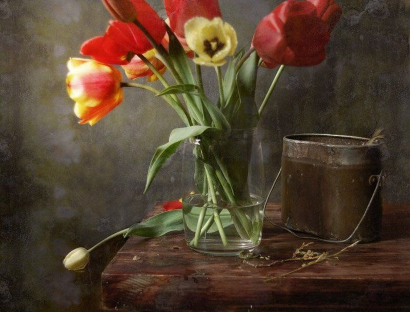 котелок, тюльпан, натюрморт Вам, живые, приветphoto preview