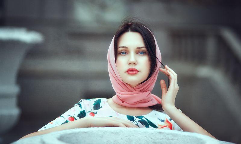 портрет,улица,девушка,взгляд,глаза, Полинаphoto preview