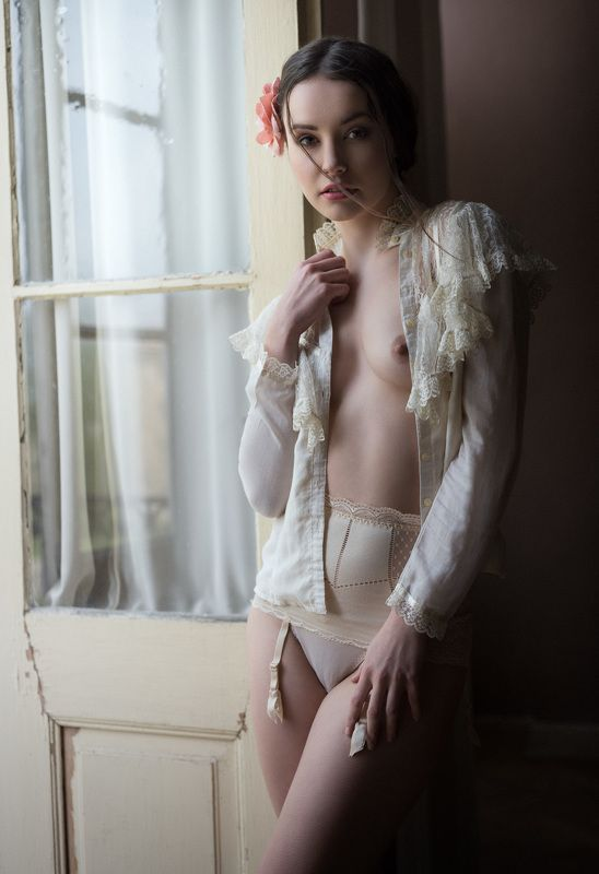 vintage, nude, portrait, old castle Eliskaphoto preview