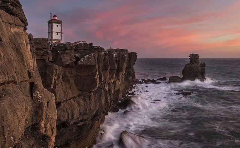lighthouse, маяк, португалия Lighthouse of Cape Carvoeirophoto preview
