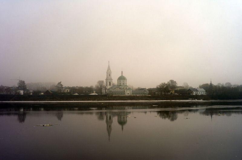 Пейзаж Туман Тверь река волга цероквь храм Екатериновская церковь  Тверьphoto preview