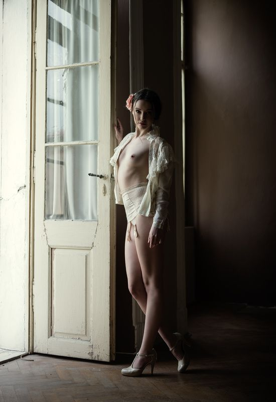 nude, portrait, mood, old castle, michael schnabl old castlephoto preview