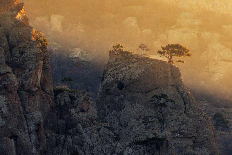 Осенние скалы Демерджиphoto preview