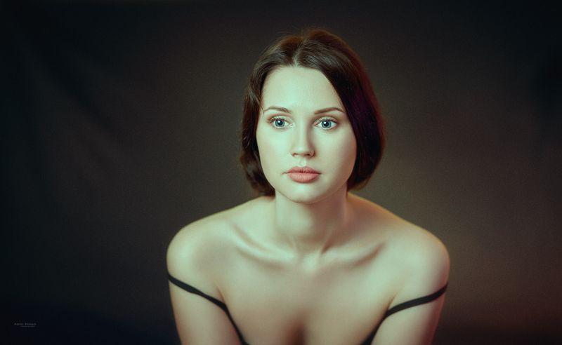 портрет,девушка,глаза,взгляд, Полинаphoto preview