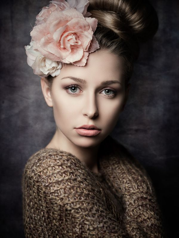 portrait, fine art portrait, flowers, Theresaphoto preview
