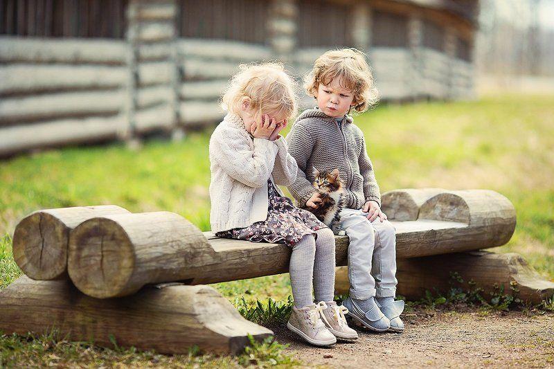 дети ребенок малыш детская фотография девочка мальчик котенок кошки Взаимоотношение половphoto preview