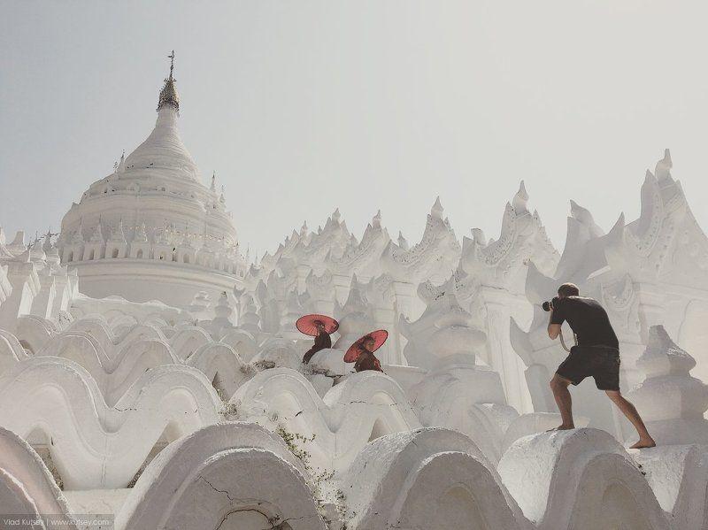 photographer,бирма,монахи,пагода,сьемка,фотограф,храм,мьянма,asia,myanmar,burma,mingun,mandalay,monks,pagoda,белыйхрам,hsinbyume_pagoda,hsinbyume Behind the scenesphoto preview
