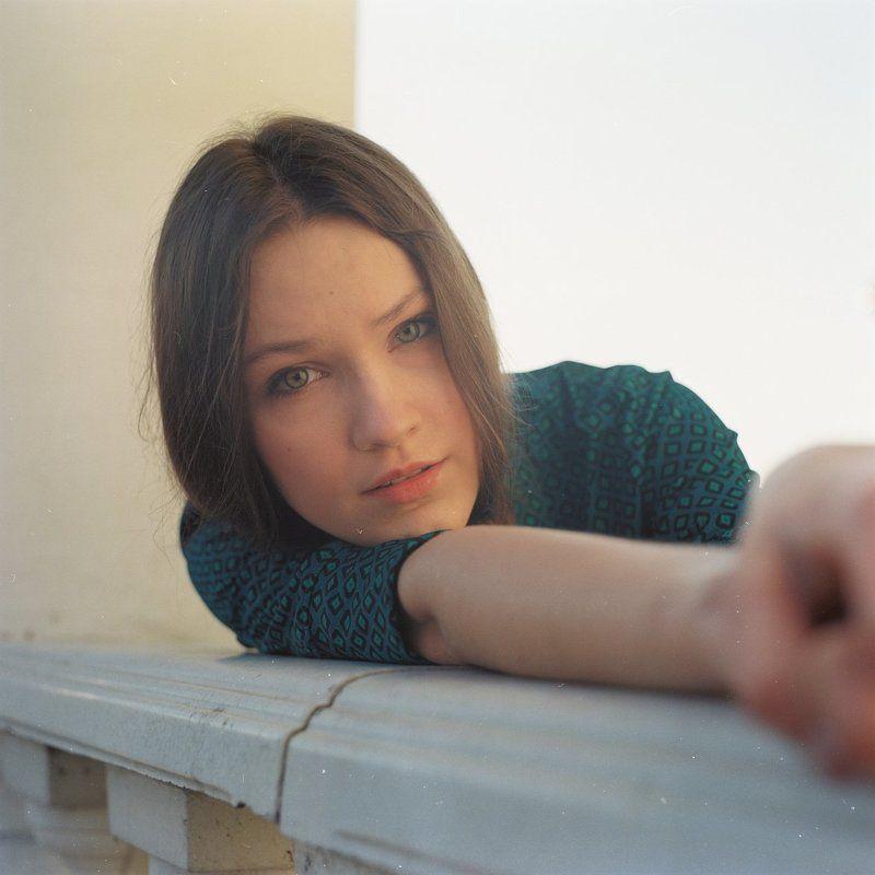 девушка, портрет, крупным планом, весна, закат, город Портрет Юлиphoto preview