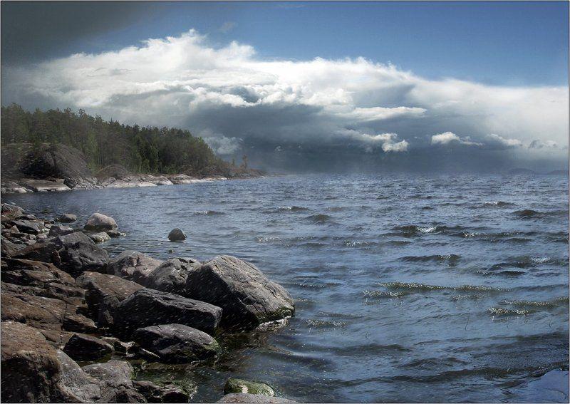 ладога туча волна дождь прибой озеро гроза ветер скалы В воздухе пахнет грозойphoto preview
