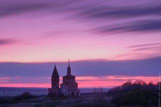 Старая заброшенная церковь