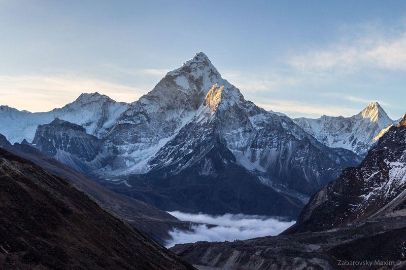 Ама Даблам, горы, Гималаи, Непал, треккинг Ама Даблам на рассвете.photo preview