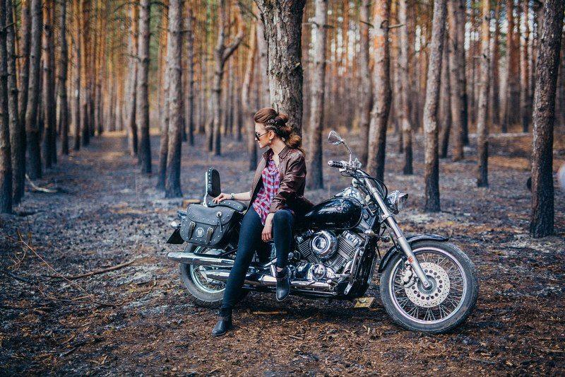 мотоцикл девушка любовь лес motophoto preview