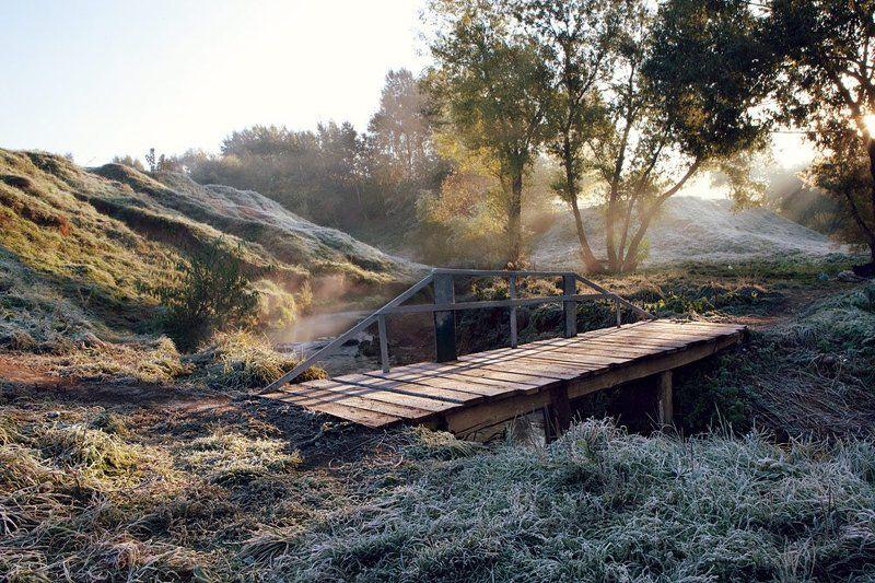 Дохнул осенний хлад - дорога промерзаетphoto preview