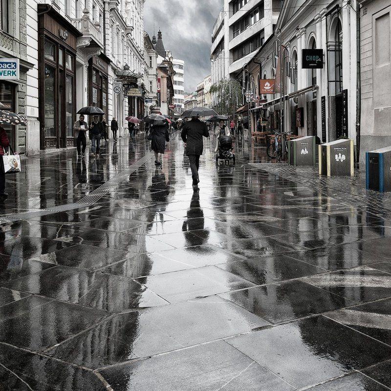 словения Дождь в городеphoto preview