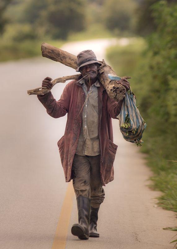 Встречи на дорогах Анголыphoto preview