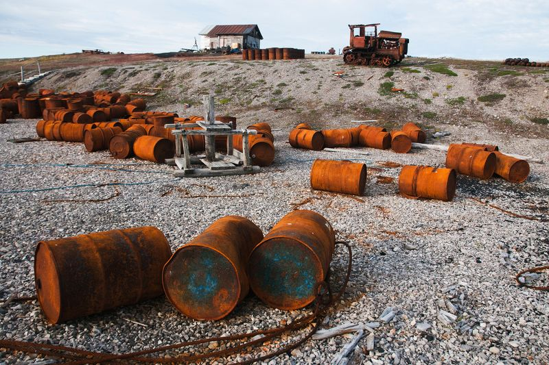 арктический хлам Арктический мусорphoto preview