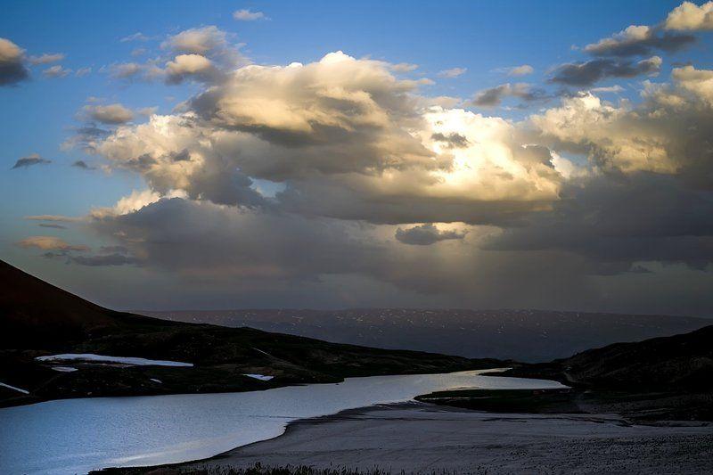 Дождь над Ангренским латоphoto preview