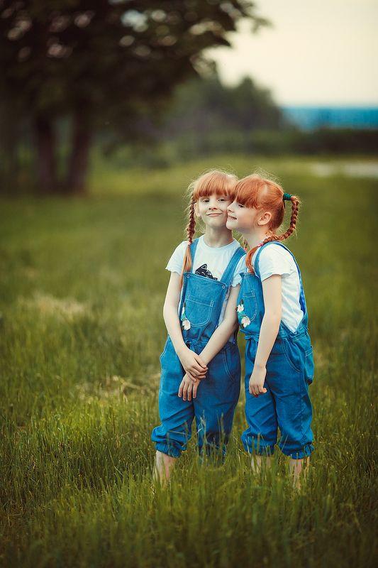 Сестрички-лисичкиphoto preview