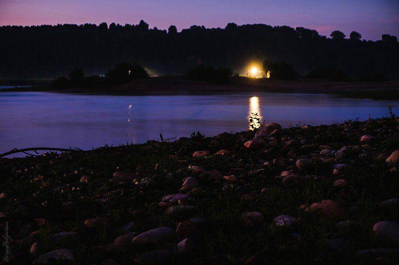 ночь, река, томь, усть-мрасс, камни, берег, лес, тайга, горы, фонари, вода, туман * * *photo preview