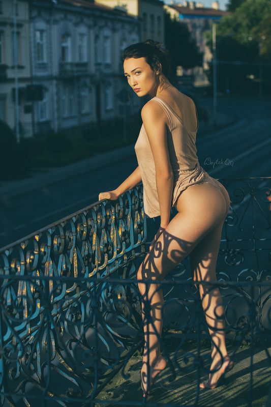 woman. balcony, glamour, longlegs, Dominikaphoto preview