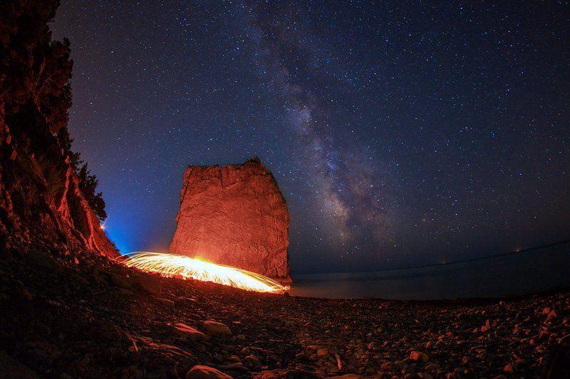 ночь, звёзды, млечный путь Алый Парусphoto preview