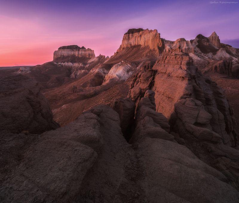казахстан, мангистау, долиназамков, айракты, рассвет Казахстан. Долина замков Айрактыphoto preview