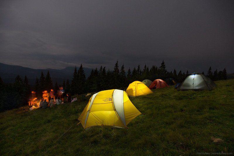 карпаты, кукул, поляна, горы, ночь, палатки, поход, небо, костер, поход Вечер на Кукуле photo preview