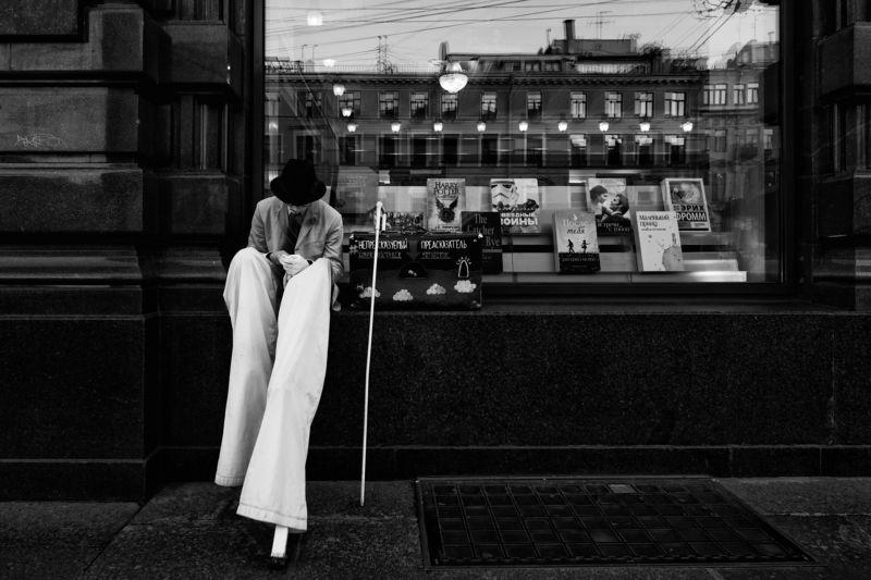 улица, черно-белая Санкт-Петербургphoto preview