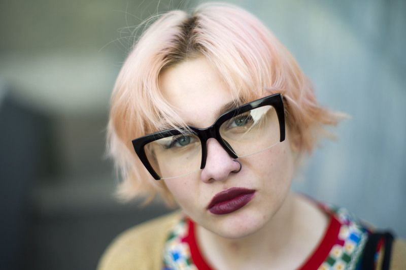 портрет любовь красота очки пирсинг Портретphoto preview