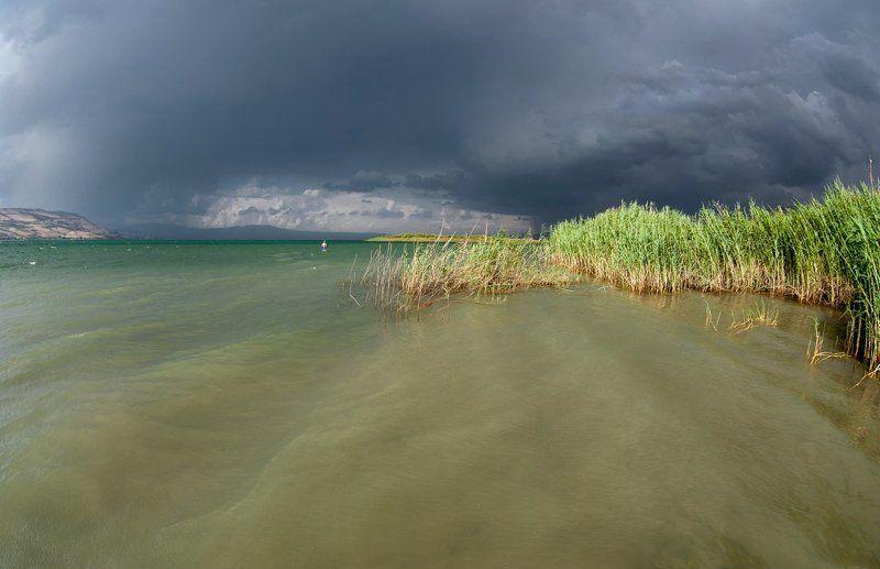 израиль, галилейское море, кинерет, тучи, вода Перед грозойphoto preview
