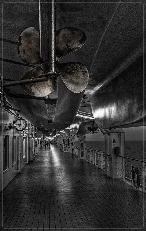 Спасательная палуба. Лайнер - Санкт-Петербург - Норвегия.photo preview