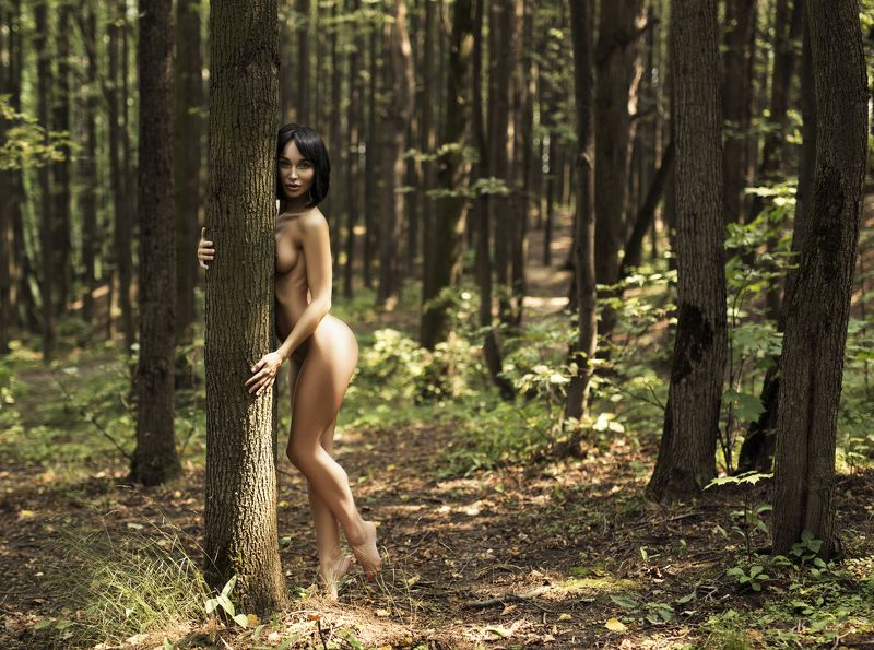 model, beatifull, girl, nature, nude, brunette, tree, face, sexy. Олесяphoto preview