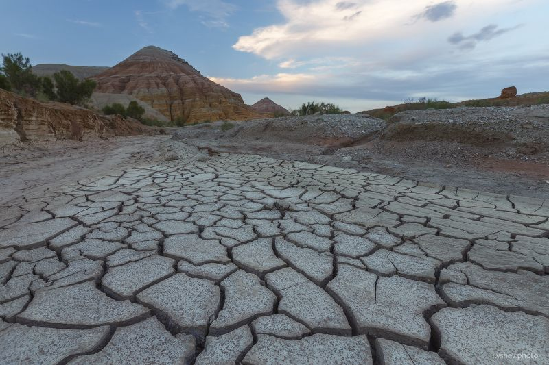 пейзаж, горы, закат, казахстан, природа, земля, сухая земля, актау, горы актау, восточный казахстан трещины Землиphoto preview