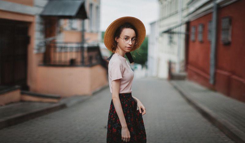portrait, girl, people, beautiful, natural light, Colour, Minsk Alesyaphoto preview