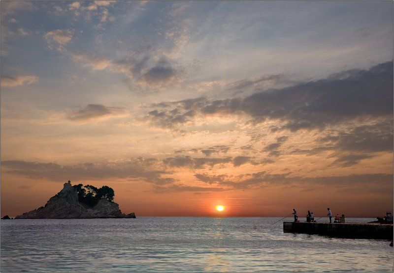 море, закат, рыбалка, остров, пирс Вечер на пирсеphoto preview