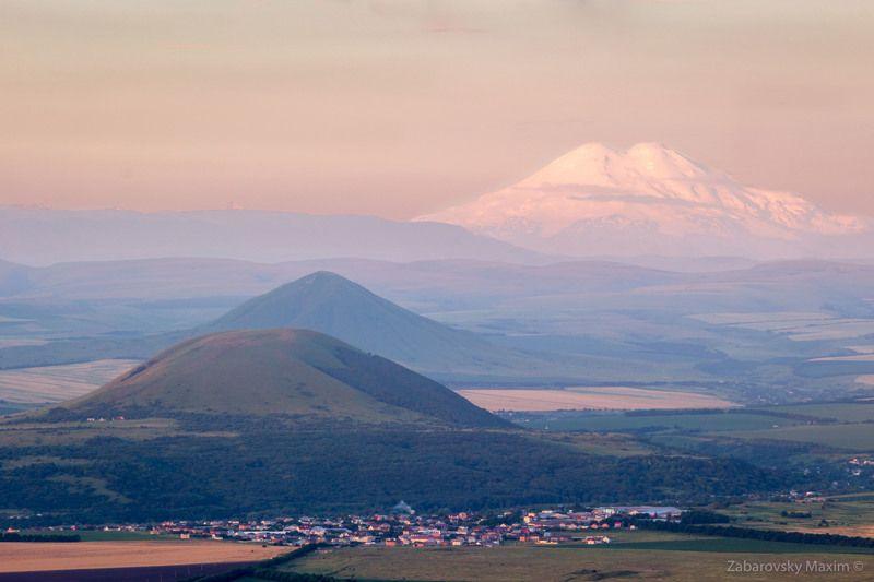 Эльбрус, горы, природа, холмы, утро Эльбрус - вид с горы Машукphoto preview