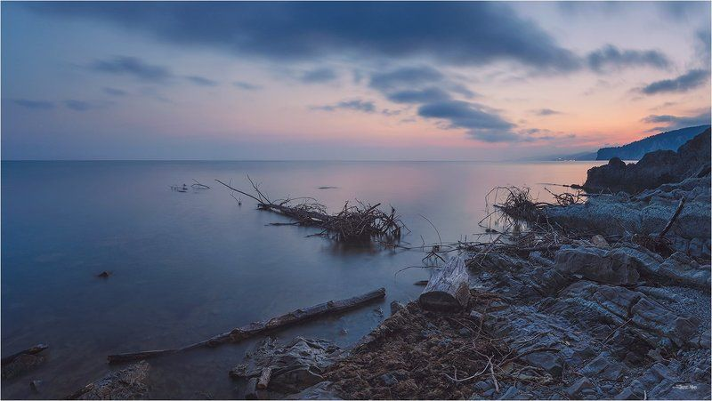 море, панорама, небо, тучи, облака, закат, горы, пляж, берег, камни, длинная выдержка ...photo preview